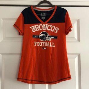 NFL Denver Broncos v neck tee size L